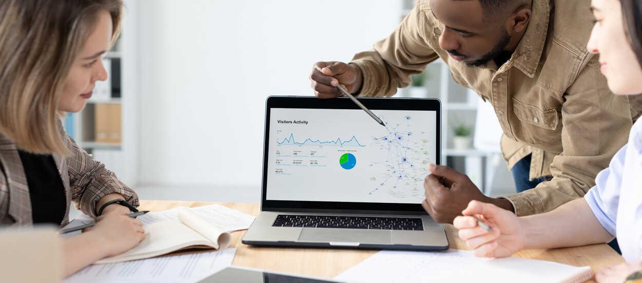 Cómo implementar una estrategia de CRM efectiva