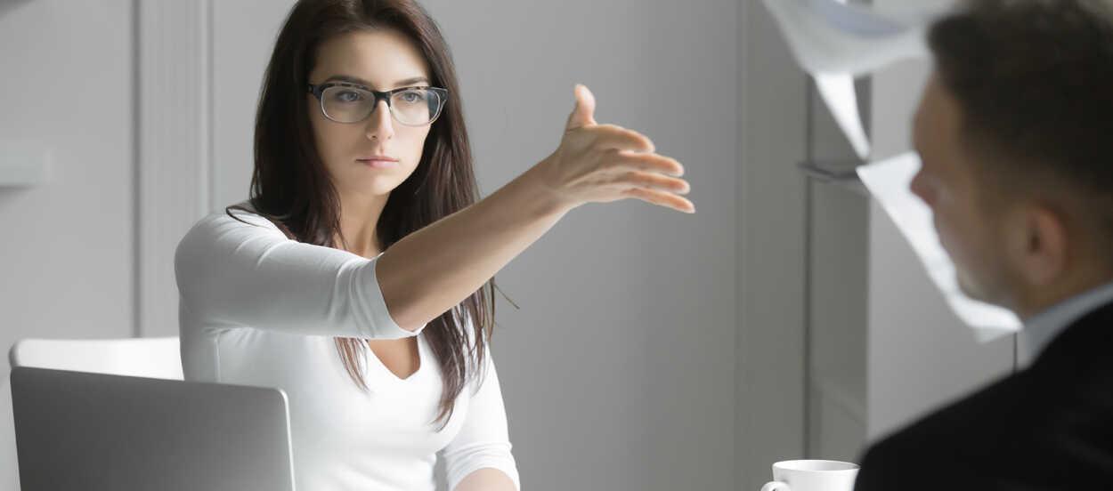 como gestionar conflictos internos en la empresa