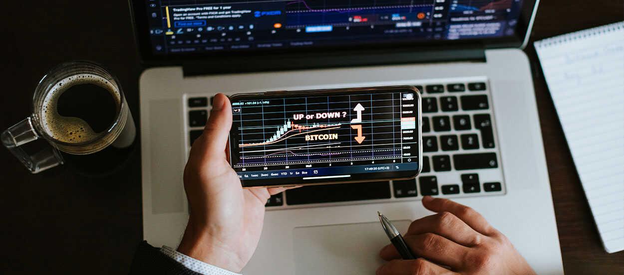 Las finanzas descentralizadas funcionan mediante aparatos tecnológicos como Smartphones, tablets u ordenadores