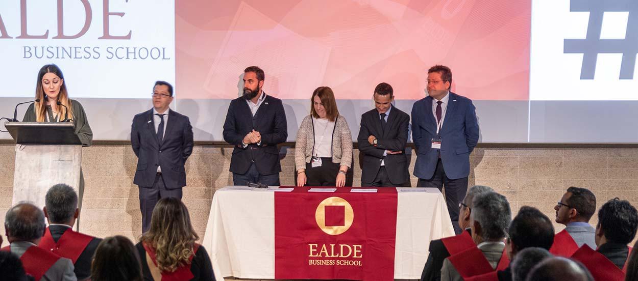La escuela de negocios online EALDE EALDE amplía plazasplazas y becas para su segunda convocatoria del año
