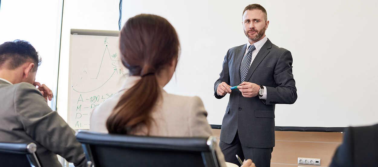 La política de prevención de riesgo garantiza la seguridad de todos los trabajadores activos de una organización. La política se debe compartir con todos los empleados para su efectivo cumplimiento